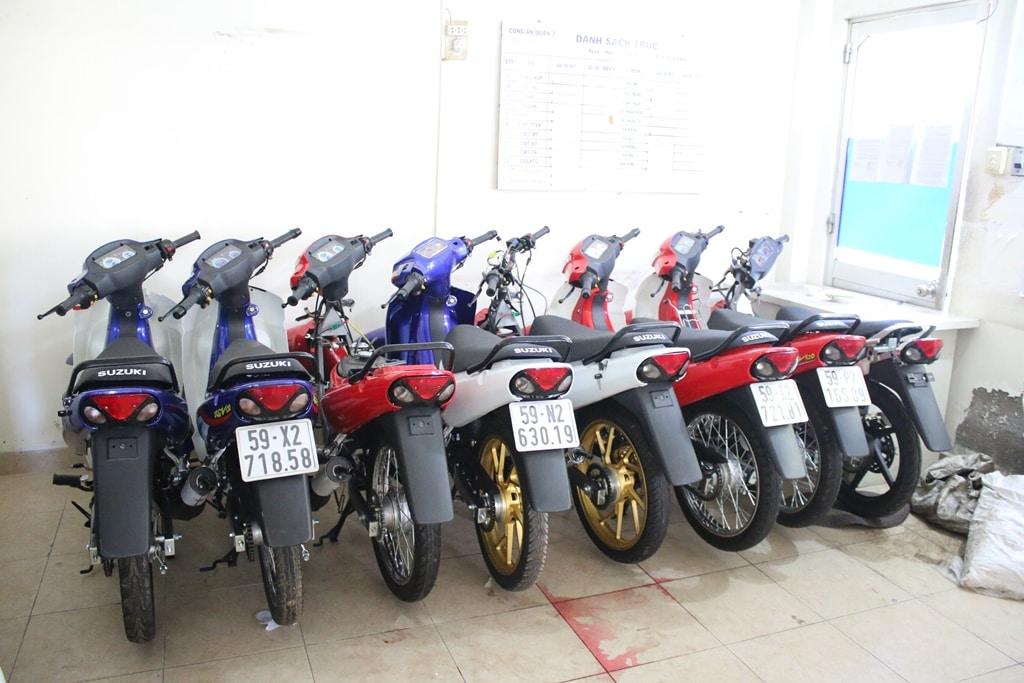 """Triệt phá lò sản xuất xe """"Su xì-po"""" lậu giữa lòng Sài Gòn"""