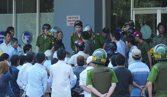 Nhân viên bảo vệ KCN Nam Tiền Phong bị côn đồ hành hung phải nhập viện