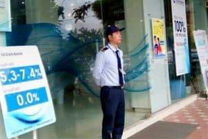 Nhân viên bảo vệ ngân hàng có nhiệm vụ gì?