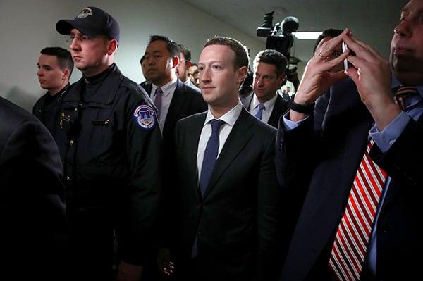 mark-zuckerberg-duoc-bao-ve-the-nao-1