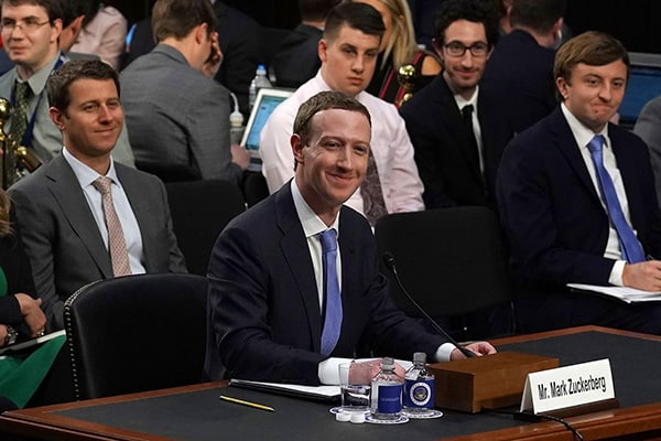 mark-zuckerberg-duoc-bao-ve-the-nao-4