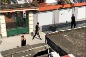 Bảo vệ công ty vây nhà dân đòi tính sổ vì xe rác thải bị chặn